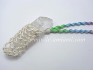 大切な水晶を時々外せるように着脱可能式のネックレスに仕上げました
